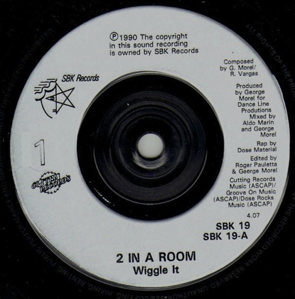 2 IN A ROOM - Wiggle It - 7inch (SP)